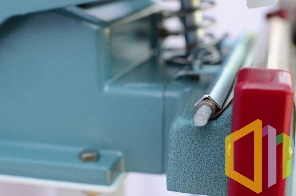 Stojakowa zgrzewarka impulsowa do worków KF-300F